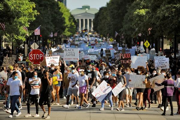 Estados Unidos: nueva jornada de protestas y disturbios en al menos 30 ciudades por la muerte de Floyd