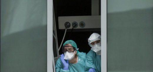 Un adolescente infectado con coronavirus se escapó del hospital tirándose del segundo piso