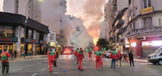 Buenos Aires: dos bomberos muertos y al menos otros doce heridos por explosión en un incendio en Villa Crespo