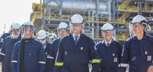 El Presidente inauguró la primera planta refinadora de diésel premium del país que permitirá dejar de importar ese combustible