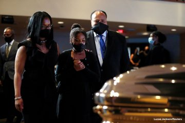 Las primeras imágenes del funeral de George Floyd: Minneapolis despidió al hombre que fue asesinado por un policía