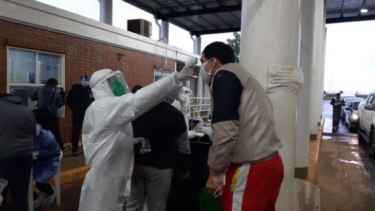 Con estricto control sanitario se procede el ingreso de más de 200 misioneros varados en Encarnación