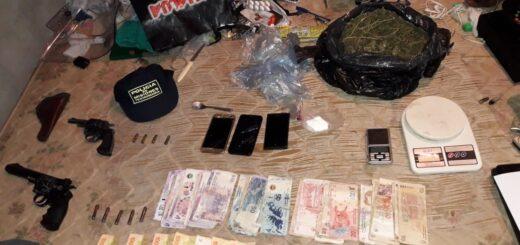 """Posadas: la Policía desbarató un """"aguantadero"""" de drogas y secuestró armas de fuego"""