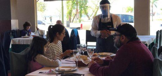 Restaurantes posadeños abrieron este domingo y recibieron a gran cantidad de comensales