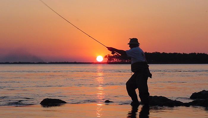 Coronavirus: Iguazú habilitó la pesca deportiva desde costa