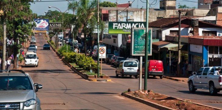 Comercios que migran a zonas más populares y un centro vacío: la nueva cara de Puerto Iguazú que deja la pandemia