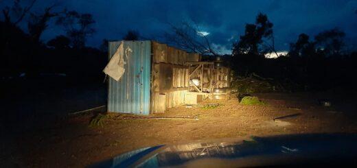 Especie de tornado provocó destrozos en localidades brasileñas ubicadas a pocos kilómetros de la frontera con Argentina