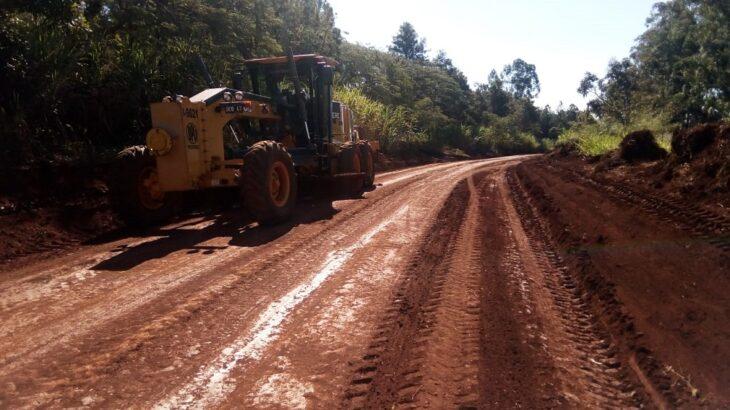 Vialidad Provincial trabaja en el mantenimiento de los caminos de la producción misionera