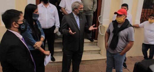 Concejales de Posadas recibieron a los taxistas que se resisten al desembarco de UBER