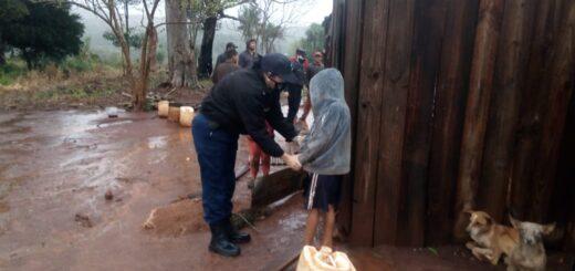 Brindaron asistencia a familias tras inclemencias del tiempo en Misiones