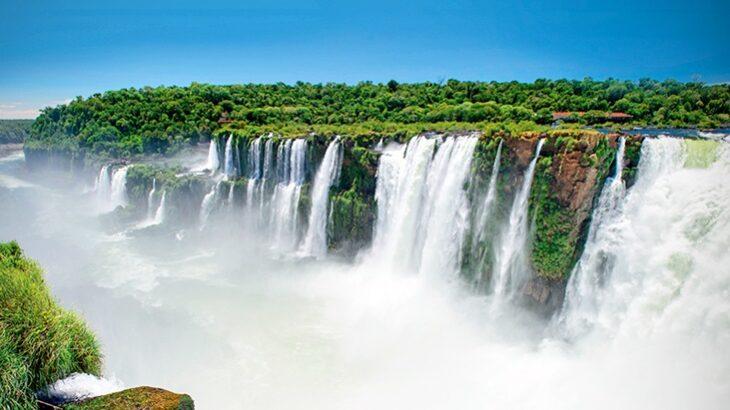La empresa Iguazú Argentina asegura que no es rentable abrir el parque al turismo regional y recomienda aguardar a las conexiones aéreas para mayor demanda