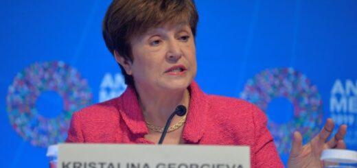 La directora del FMI aseguró que el organismo está dispuesto a apoyar las políticas que busquen estabilizar la economía argentina