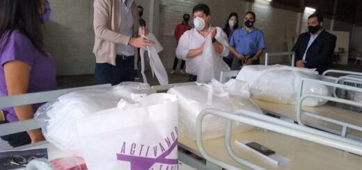 """Donan a Salud Pública siete camas ortopédicas restauradas a través del programa """"Activando Voluntades"""""""