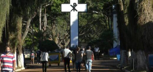 Día del Padre: este domingo más de 800 personas se acercaron al Cementerio La Piedad