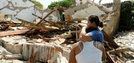 Suman ya cinco personas fallecidas debido a la caída de bardas y estructuras tras el sismo de magnitud 7,5 en México