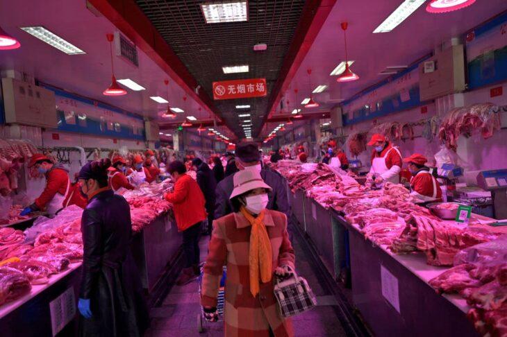 Coronavirus: China registra su mayor aumento de casos en dos meses a causa de un rebrote en un mercado