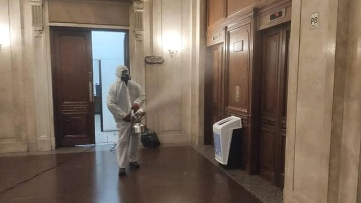 Una empleada del Senado dio positivo en coronavirus