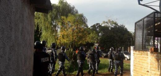 En plena pandemia cuatro equipos de fútbol masculino organizaron un torneo en Posadas y ante la llegada de la Policía reaccionaron violentamente