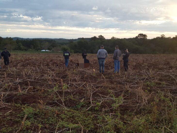 Un rayo mata a un joven y a su perro mientras cosechaban mandioca bajo una fuerte tormenta eléctrica en Misiones