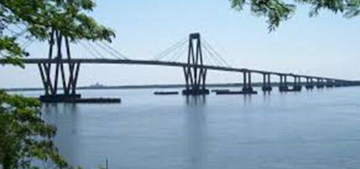 Rompieron la cuarentena para ver a sus novios: cruzaron en bote de Chaco a Corrientes y los vecinos las denunciaron