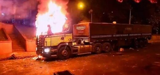 Disturbios, fuego y represión tras el anuncio de regresión a la fase cero de la cuarentena en Ciudad del Este