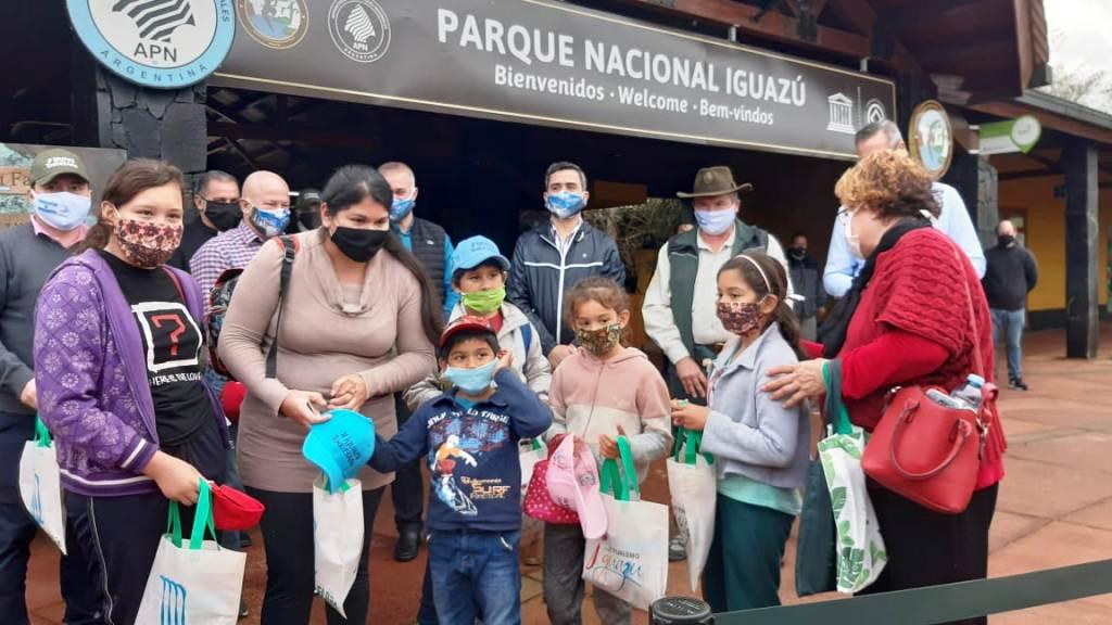 Coronavirus: tras 120 días sin visitantes, se reanudaron los paseos en las Cataratas del Iguazú