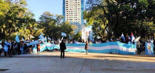 """Coronavirus: manifestantes de Posadas se sumaron a la """"marcha nacional anti cuarentena"""""""