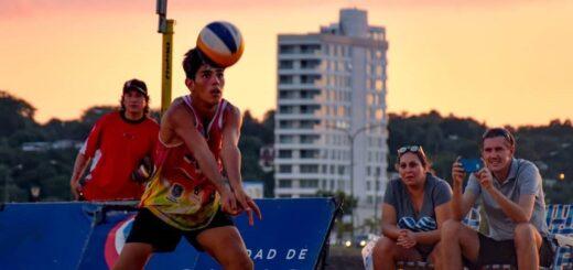 """""""Hay mucho trabajo por delante para volver a estar óptimo a la hora de pisar la arena"""", comentó Lucas Bogarin, jugador de beach vóley"""