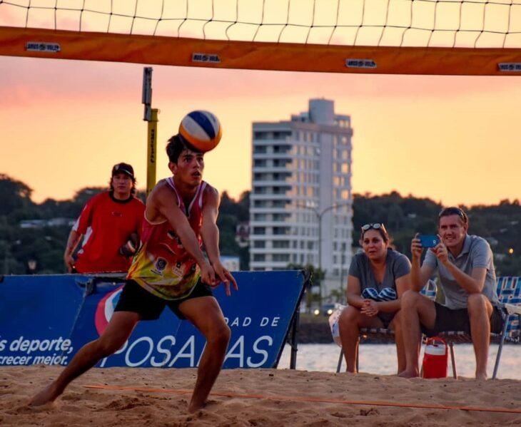 «Hay mucho trabajo por delante para volver a estar óptimo a la hora de pisar la arena», comentó Lucas Bogarin, jugador de beach vóley