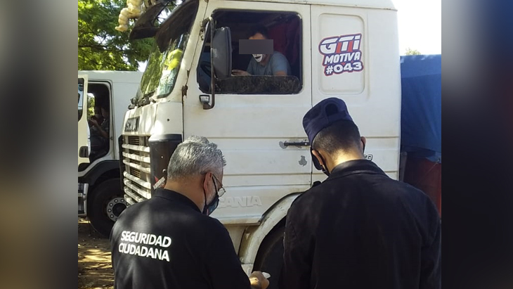 """Coronavirus: habló el camionero acusado de hacer ingresar un polizón a Misiones y aseguró que cometió """"el error de la bondad"""""""