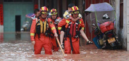 """China: inundaciones y terremotos devastan varias provincias y Jiangxi se prepara para """"tiempos de guerra"""" ante los efectos climáticos"""