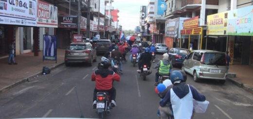 Comerciantes paraguayos realizaron caravana para exigir ayuda al Gobierno ante la crisis