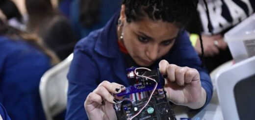 """""""La formación en escuelas técnicas nos va a ayudar a salir en la pospandemia"""" lo afirmó el director del INET, Diego Golombek"""