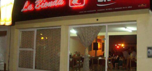 """""""Estamos al borde de la lona, nuestro fuerte son las bandas en vivo"""", comentó Roque Mina, propietario de un reconocido pub posadeño"""