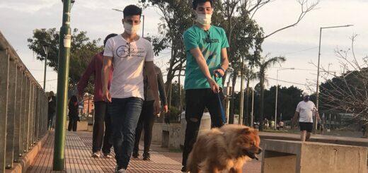 Los posadeños cerraron el fin de semana largo con una caminata recreativa en la Costanera