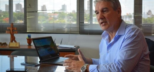 El ministro de Educación de Misiones, Miguel Sedoff, afirmó que no existe fecha para el regreso a la presencialidad y que se están definiendo las condiciones de asistencia y permanencia en las aulas