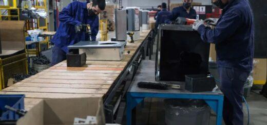 Caída récord del empleo: 186 mil trabajos en blanco fueron dados de baja durante abril en Argentina