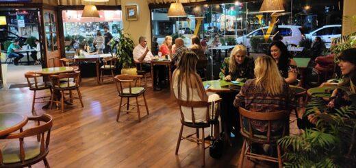 Fin de semana previo al Día del Amigo: los posadeños salieron a disfrutar de la extensión horaria en restaurantes y confiterías