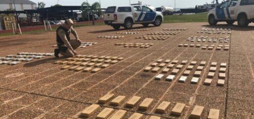 Prefectura Naval Argentina secuestró un cargamento de 300 kilos de marihuana a la orilla del río Paraná en Posadas