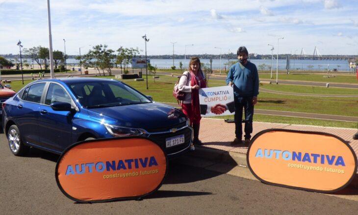Autonativa nuevamente entregó un vehículo 0KM en Misiones e hizo realidad el sueño de una familia