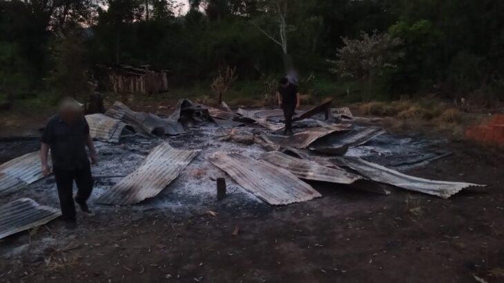 Buscan a un peón rural indocumentado que según un testigo es quien mató e incineró a un hombre en la zona Norte de Misiones