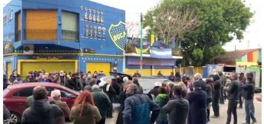 Buenos Aires: Una multitud rompió la cuarentena para despedir a un histórico dirigente de Boca en la Bombonera