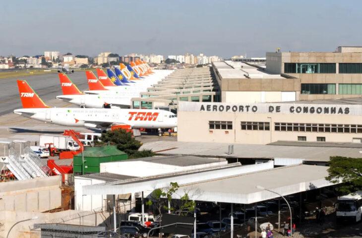Brasil reabre las fronteras aéreas al turismo y registra récord de muertos