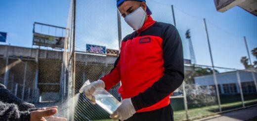 """El regreso del """"fulbito"""" recreativo tiene contentos a hombres y mujeres en Salta desde el viernes pasado"""