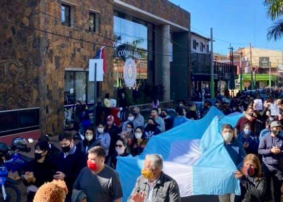 Iguazú se sumó a la marcha nacional solicitando el tratamiento de la «Ley de Emergencia Turística»
