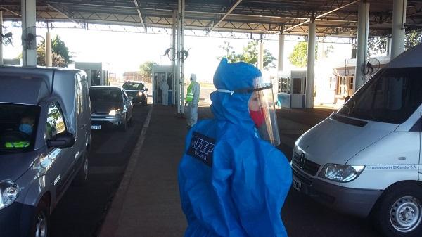 Bajo estricto protocolo de seguridad se habilitó el Puente Posadas- Encarnación para el paso de argentinos varados en Paraguay