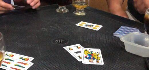 Rosario: detuvieron a 16 personas que rompieron la cuarentena para jugar al truco