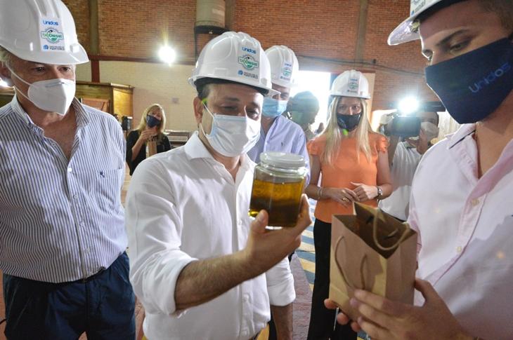 Herrera Ahuad inauguró una planta de biodiesel y la plaza 9 de Julio en Puerto Rico