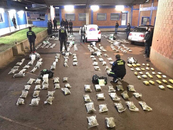 La Policía de Misiones secuestró un auto robado cargado con más de 190 kilos de flores de marihuana en Candelaria, Misiones