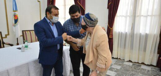 Oscar Herrera Ahuad entregó subsidios abibliotecas populares y asociaciones civiles